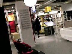 Развратная немецкая пара с камерой занимается сексом в туалете