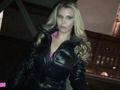 Напористый немецкий пикапер развел на анал случайную девушку