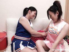 Счастливый паренек трахает двух азиаток с волосатыми кисками