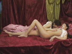 """Грудастые девчонки занялись сексом в сауне в фильме """"Секс по-русски"""""""
