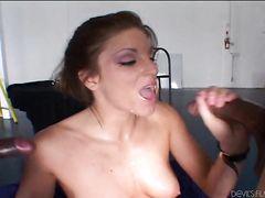 Порно фильм с межрасовым групповым сексом с участием безотказных анальщиц