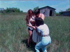 Ретро фильм с групповым сексом в деревенской местности
