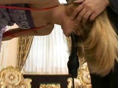 Неугомонный Рокко трахает нескольких сексуальных девушек