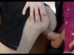 Французский мужчина засаживает своей сексуальной жене