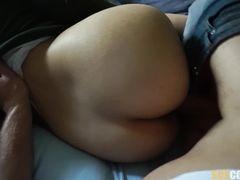 Парень снял на видео домашний анальный секс с русской девкой