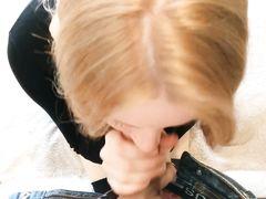Кремпай для русской девушки после домашнего секса в позе догги стайл