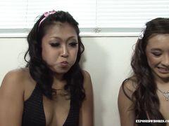 Две азиатки минетчицы старательно делают парню минет от 1 лица