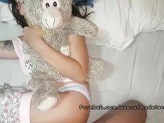 Кокетливая испанка кричит во время домашнего секса с хахалем
