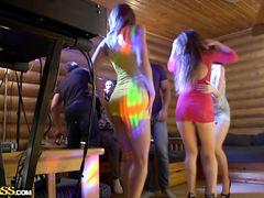 Русская молодежь устроила замечательный групповой секс