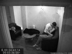 Скрытое подсматривание через камеру за подростковым сексом русских ребят