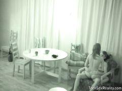 Хитрый русский чувак трахнул на скрытую камеру свою подружку