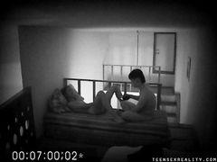 18-летние русские любовники занялись сексом на скрытую камеру