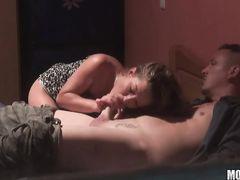 Сладкая пара занимается сексом не замечая скрытого видеонаблюдения