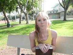 Пикапер с камерой познакомился и трахнул худенькую девушку с улицы