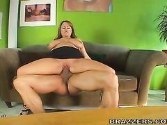 Толстая модель с большими дойками трахается на кастинге