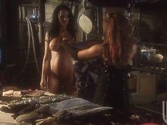 Сцена группового секса на приватной вечеринке из полнометражного фильма