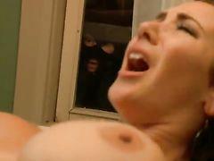 Мужик в маске подсматривает за сексом грудастой соседки и снимает видео