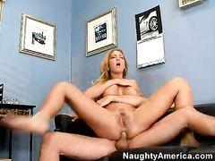 Фееричный анальный секс в офисе с сексуальной секретаршей