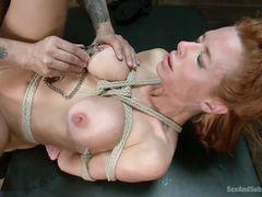 Сексуальные пытки грудастой телки с жестким анальным сексом в финале
