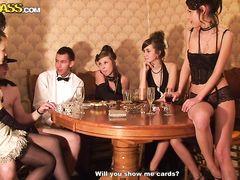 Сексуальные игры возбужденных курских студентов на вечеринке