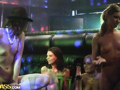 Курские студенты занялись групповым ночным сексом в клубе