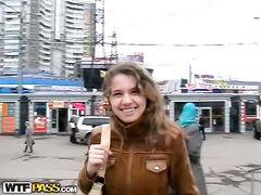 Небедный русский пикапер трахнул девушку в лесу за деньги
