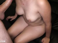 Рыжая девушка потрахалась с партнером на секс кастинге