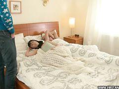 Неосторожная русская девка решила попробовать анал с двумя парнями