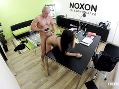 Чешка прошла секс собеседование ради должности секретарши