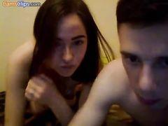 Рукастый парень дрочит пизду девушке в приватном видеочате RusCams