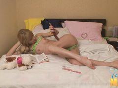 Худая блондинка Катя получила удовольствие от секса с парнем