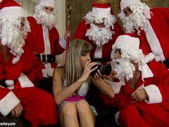 Похотливые Санта Клаусы толпой трахают в жопу русскую худышку