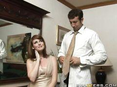 Друг жениха трахает на свадьбе рыженькую подружку невесты