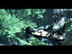 Невидимый монстр Хищник напал и трахнул в лесу красивую девушку