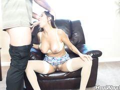 Семейный секс зрелого мужа с сексуальной грудастой женой в чулках