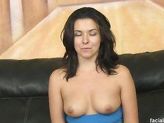 Жесткий анальный секс закончился для девушки камшотом на лицо