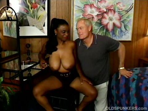 Порно Онлайн Старик И Негритянка
