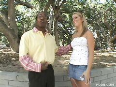 Хитрый чернокожий пикапер трахнул девушку на первом свидании
