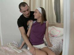 Русский парень засадил раком тощей девчонке